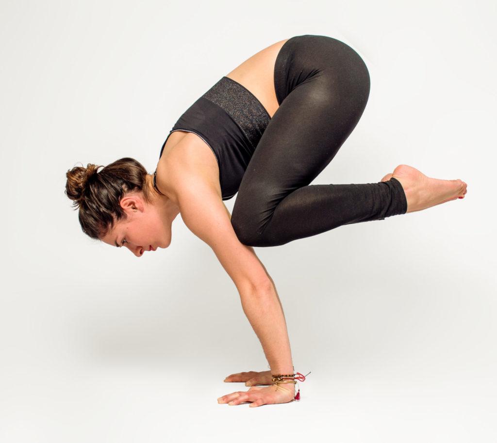 bakasana est une posture de yoga